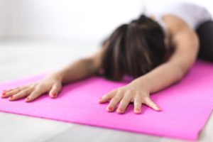 Cancer du sein : les bienfaits du yoga